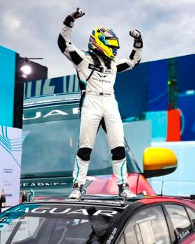 ABBgroupnews: CHAMPION! 🏆SimonEvans__ becomes jaguarracing #IPACE #eTROPHY champion in Berlin! Today's race was the eTROPHY finale, but technical lessons learned by #ABB as an official charging partner will be used when we're #ABBFormulaE charging su… https://t.co/gsXF0E6nvN