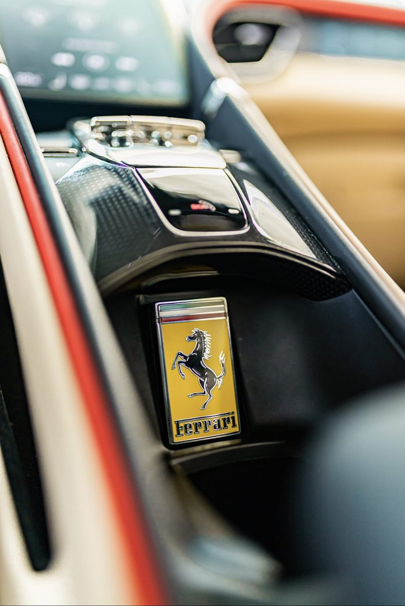 The #Ferrari #Roma is one of the first cars to introduce the newly designed comfort access key.   What do you think of the design? pic.twitter.com/KOICu2VFQW