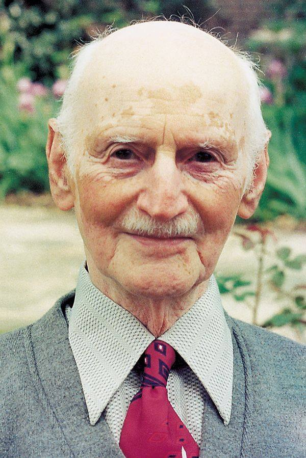 #OnThisDay in 1980, #OttoFrank died in Basel at the age of 91. Without him, the #diary of his daughter #AnneFrank would not have been published, and without him, there would not have been an #AnneFrankHouse. https://t.co/yy4SbCQnxo