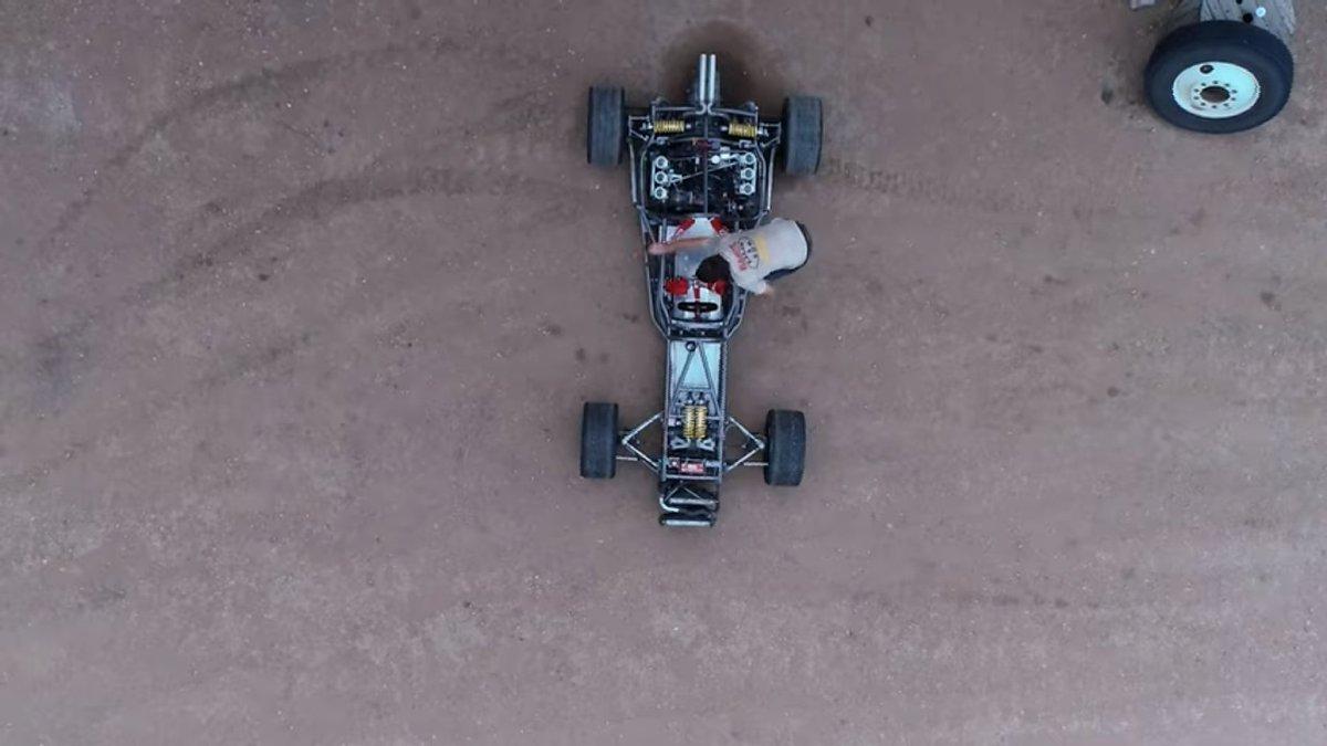 #Porsche #PorscheBoxster converted into decades old #Formula1 car https://t.co/7RlpcjYiW9