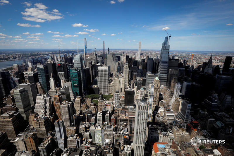 Investors think Big Apple real estate is going to bite it, as businesses scramble to renegotiate contracts and residential vacancies hit records. This time, they could be right, says @jennifersaba. https://t.co/wBexoB3Zkf https://t.co/a11k1rLIqC