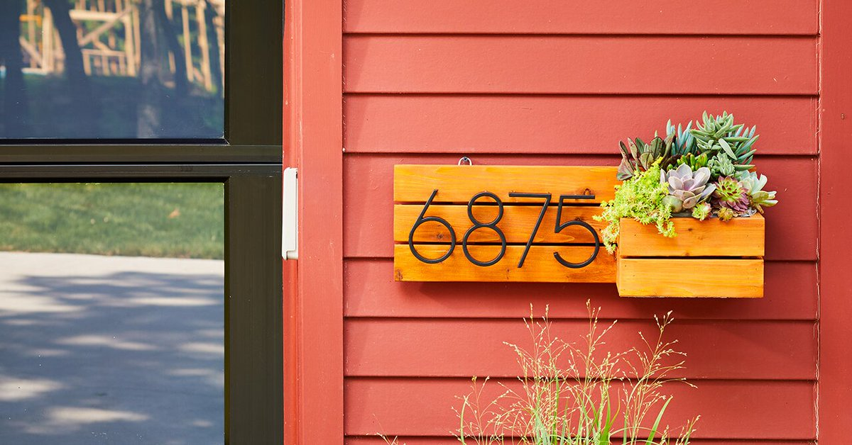 Refresh your #curbappeal with this simple #DIY.  https://t.co/O8ylHTHl0d https://t.co/iDbrl4yw70