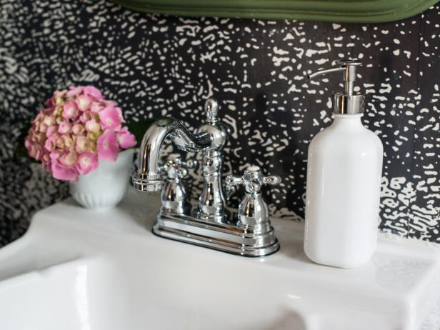 Did you know this #DIY #project can be done in less than an hour? Learn how to replace your own bathroom faucet here.  https://t.co/JNi7Ol6H8h https://t.co/qfucIScZxB