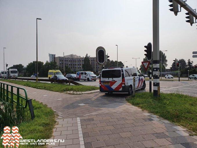 Gewonde bij ongeluk Burgemeester Elsenweg https://t.co/ILOUH3MEIl https://t.co/Y3SVAmj96M