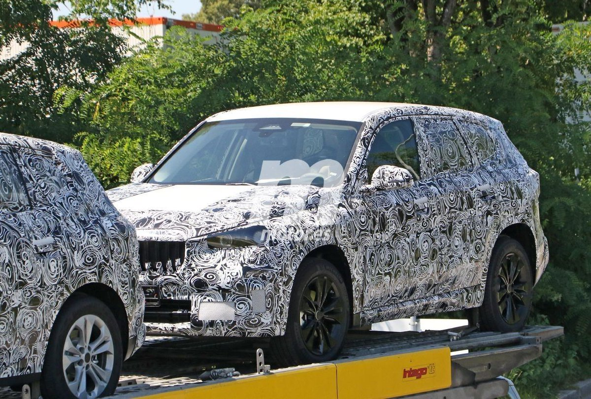 Nuevas fotos espía del BMW X1 2022, el SUV compacto cazado en Alemania  https://t.co/jtZrDT7Ya7  @BMW @BMWEspana @BMWGroup #BMW #X1 #BMWX1 #THEX1 #SUV #Fotosespía #Spyshots #Scoops #Erlkonig #U11 #bmwu11 https://t.co/7SQW70IMKk