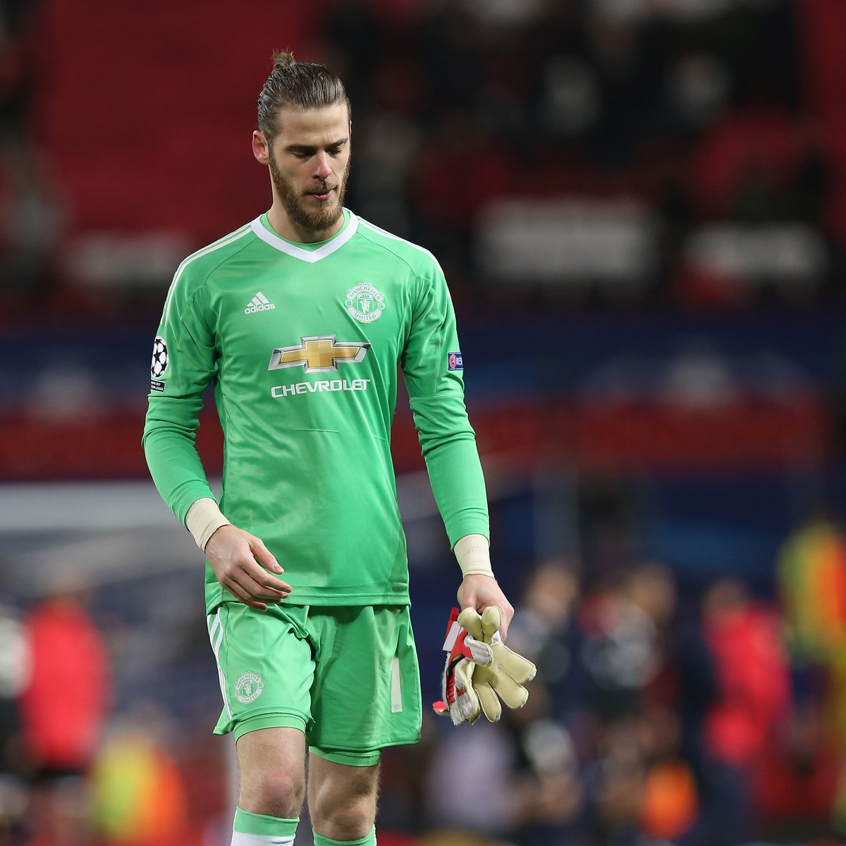 Point. Blank. Save. 😲 #MUFC @D_DeGea