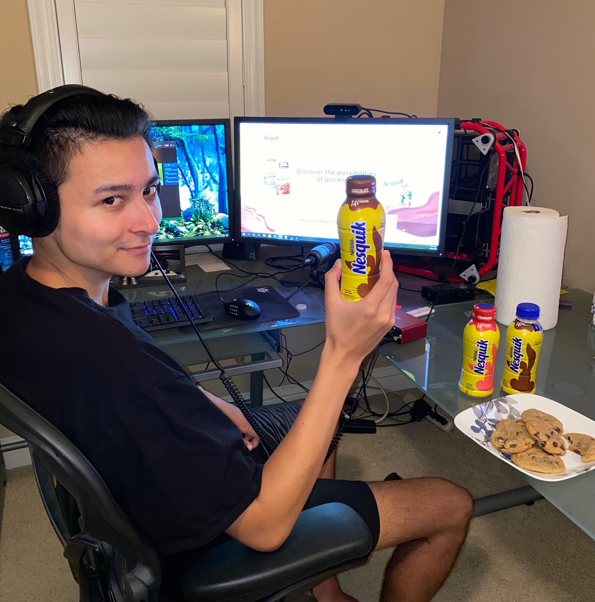 Nothing better than refueling with @Nesquik after an awesome day of gaming! Click on the link to grab your own bottle of chocolatey goodness! Bit.ly/PikaNQTW #Keeponchuggin #Sponsored