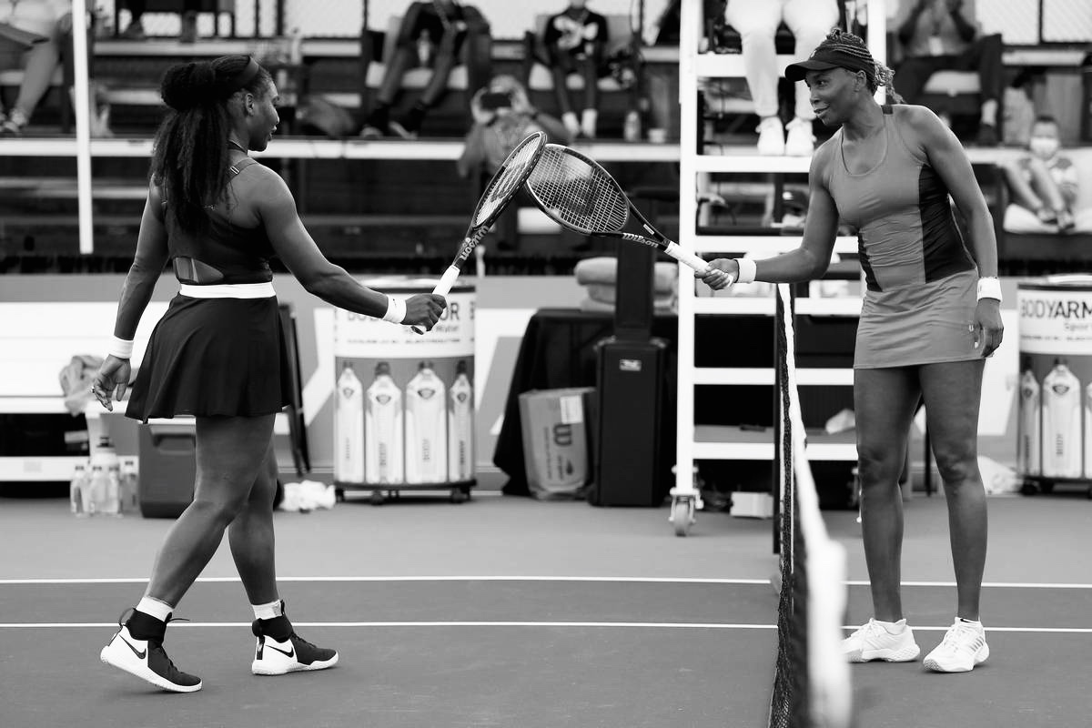 WILLIAMS SISTERS APPRECIATION | Venus and Serena Williams out here competing some 20-plus years into their respective careers.  Meeting 31, a thrilling three-set second round battle in Lexington, did not disappoint.  Legends! 👊🏾