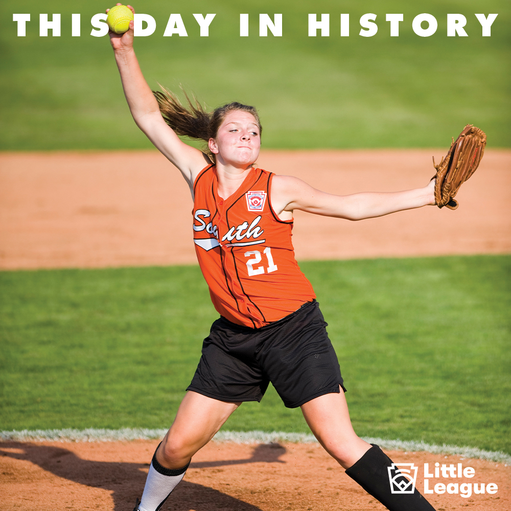 #OTD, former @LSUsoftball and @USASoftball standout @hoovagurl got her first taste of pitching on the big stage, helping her Simpsonville (S.C.) Little League team win the 2008 Little League Softball World Series Championship 🥎🏆! #LLWS #LLAlumni https://t.co/WPnvpPVFtr