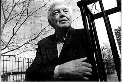 #OtD 14 Aug 1924, Colin Ward, British anarchist architect and writer, was born in Wanstead. He was radicalised as a soldier in World War II, and later wrote prolifically on emancipatory strategies for education and housing for working class people. https://t.co/l8SZhWXvOH https://t.co/ofKtxRxhDG