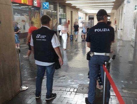 Turista francese smarrisce sul treno 5 mila euro, restituito grazie al capotreno e alla polfer - https://t.co/tPfgMu2wkQ #blogsicilianotizie