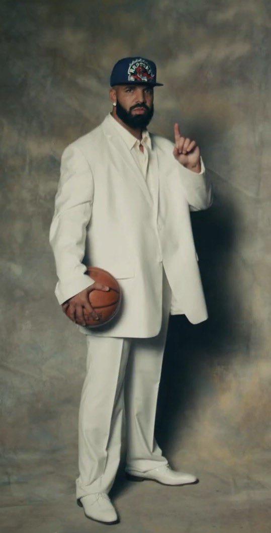 Drake wearing that '03 Lebron draft suit. #LaughNowCryLater 🎭