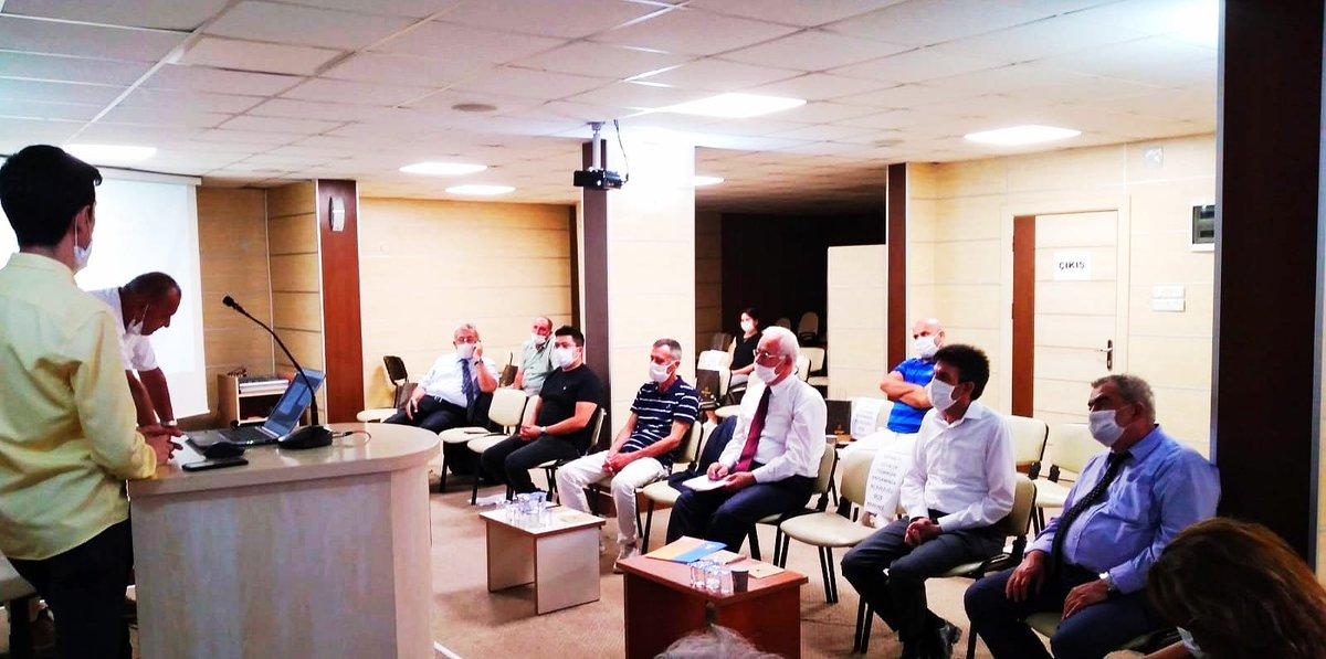 """📌Müdürümüz @emreduru33 @ckaorgtr tarafından düzenlenen """"Erdemli-Silifke-Mut Turizm Destinasyon Yönetim Çalıştayına""""  katıldı.Çalıştayda öncelikli turizm türleri ve hedef kitleye yönelik destinasyon eylem planı üzerinde duruldu #MersinKulturveTurizm @MehmetNuriErsoy @lutfielvan https://t.co/qR58Kvylc8"""