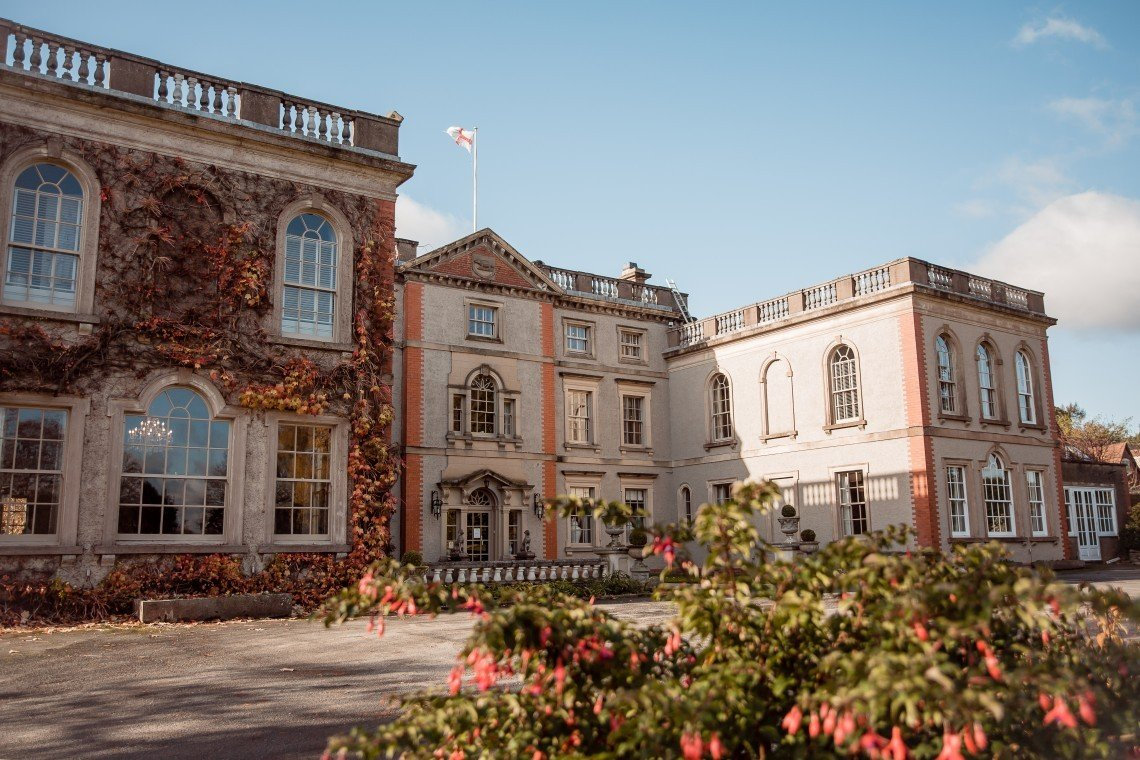 The Elms hotel reopens after multimillion-pound refurbishment thecaterer.com/news/elms-hote…