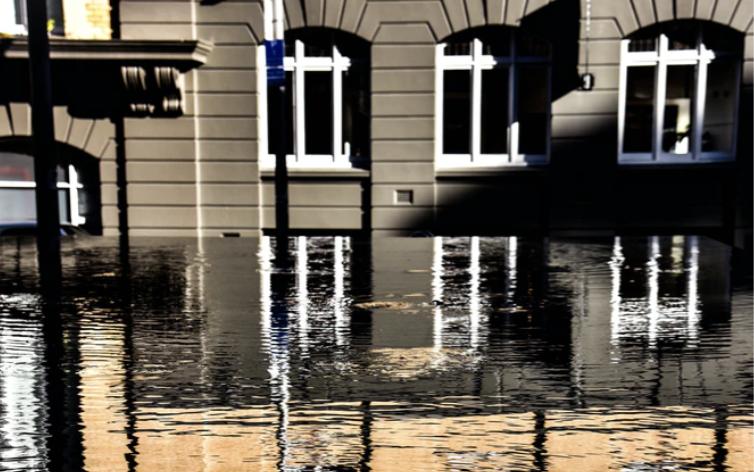 """Hvad skal der til for at mobilisere det private bygningssegment til #klimatilpasning?  Det undersøger vi i workshoppen """"Mange bække små"""".  Workshoppen er gratis - se mere her:  https://t.co/fw2XCtBAK8"""