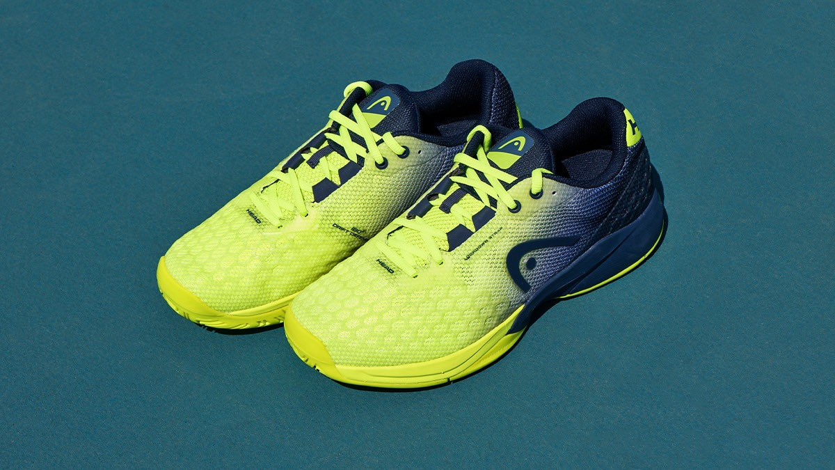 Our newest color in the Revolt Pro 3.0 range. Ready to fire up the hard-court season.🔥 https://t.co/jWxYAFCnPl