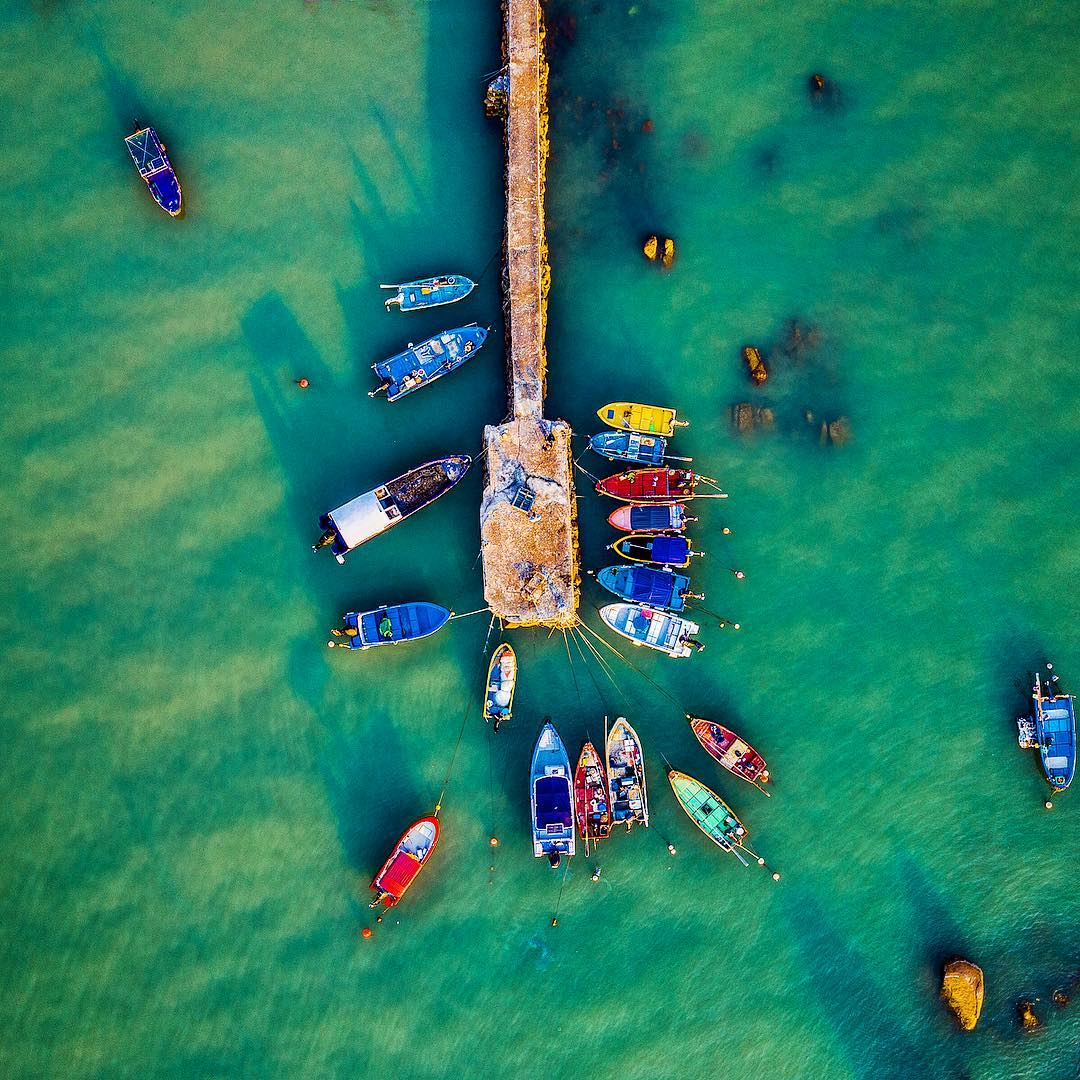 Lamma Island is Hong Kong's third largest island. Originally a fishing village🐟, it's retained its special character and slower pace of life over the years. The next time you visit Hong Kong, pop over for an instant escape from the city's hustle and bustle.  📸: IG@jepalmer100 https://t.co/KTyLdUuupA