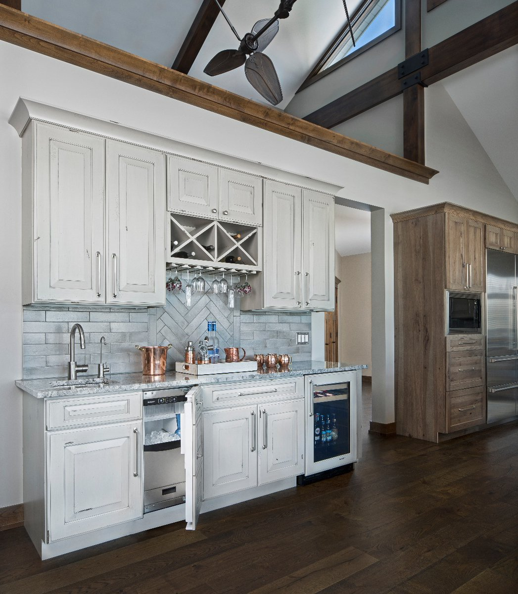 Ksi Kitchen Bath On Twitter Friday Fun With This Butler Pantry Such A Useful Area That Can Double As Coffee Station Or Bar Great For Entertaining With The Built In