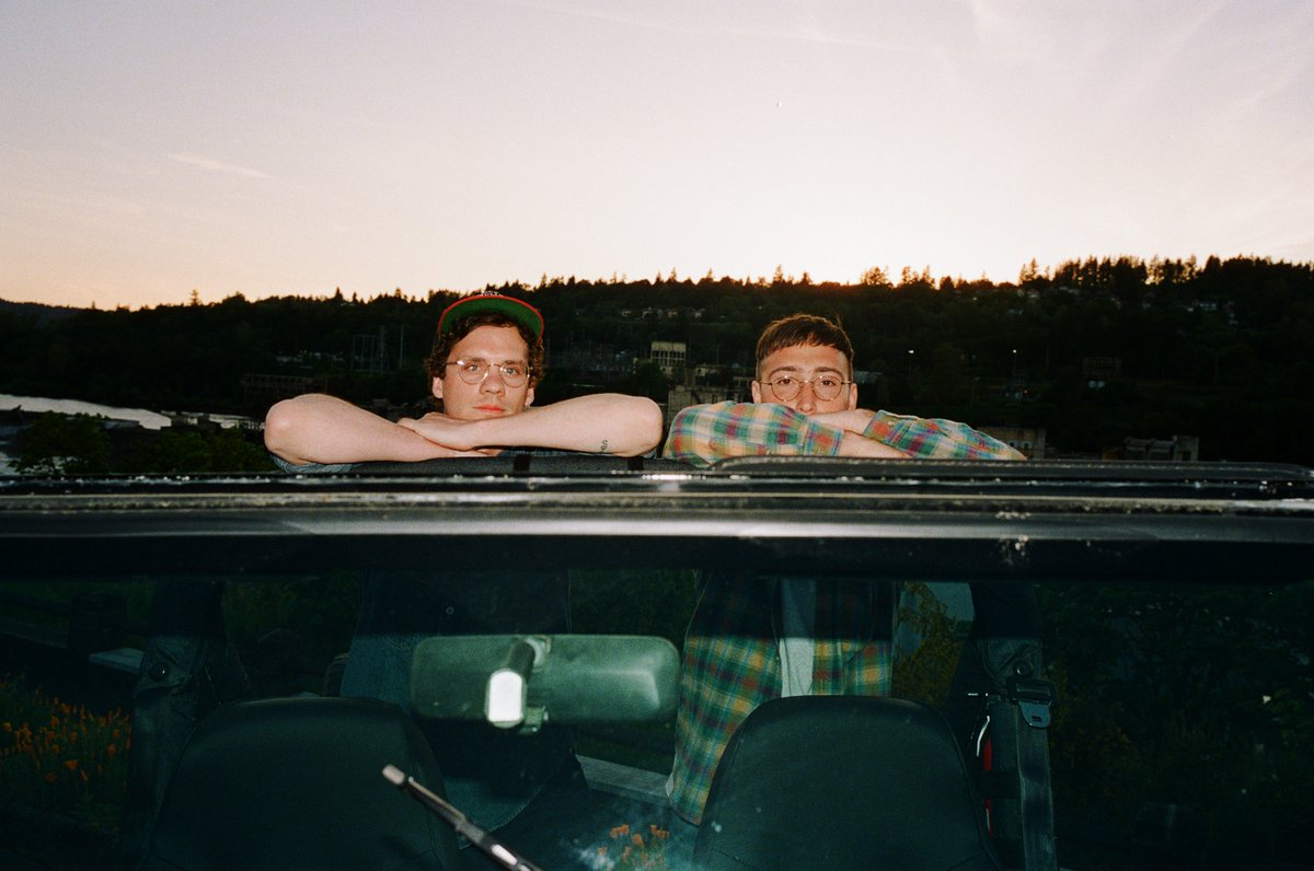 .@whitneytheband tell the stories behind each cover on 'Candid.' thefader.com/2020/08/14/whi…