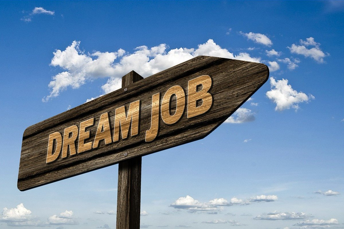 Were hiring! Full details of both exciting roles - Family Intervention Officer and Supported Accommodation Team Leader - and how to apply here: ow.ly/VKSk50AZfIa #TeamKEY Pls RT