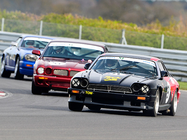 The Classic Sports Car Club returns to Snetterton this weekend - just a quick reminder that to guarantee admission to this event you must purchase tickets in advance by 4pm today.  https://t.co/IViQHruUpa https://t.co/QXcRZktzaJ