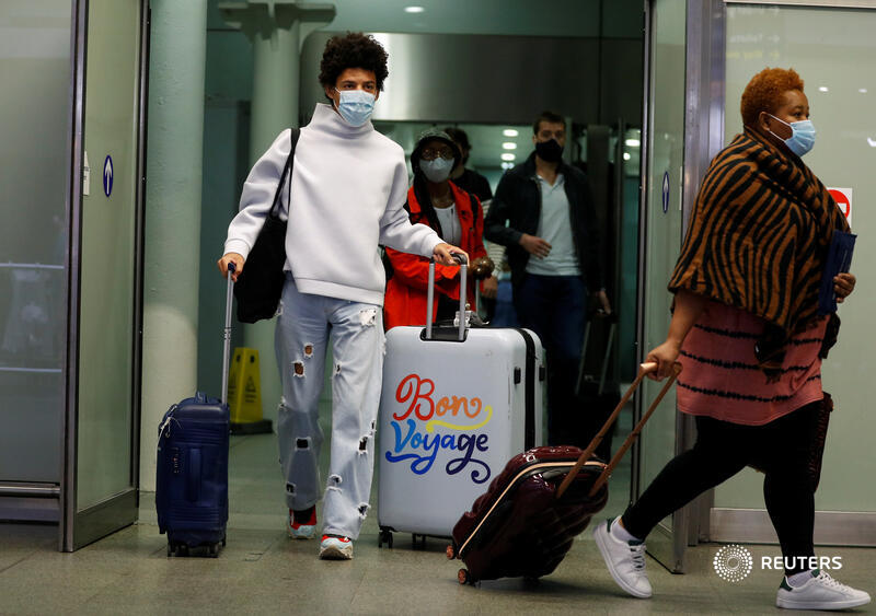 Britain's decision to mandate quarantines for people entering from France will sadden vacationers and slow the recovery of French tourism, which makes up 9% of the country's GDP. @CGAThompson explains: https://t.co/I1CihmNe2Q https://t.co/z4cJqYSuGh