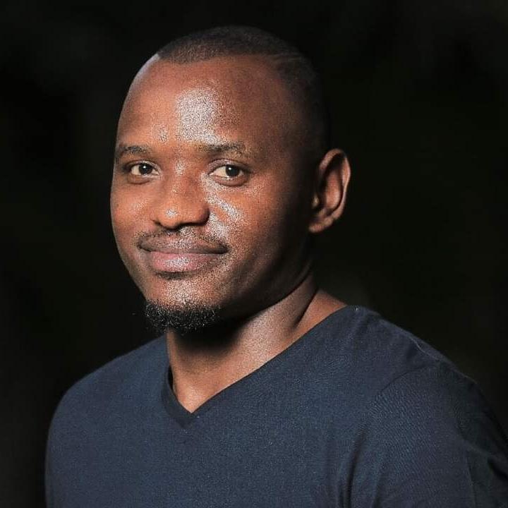 Meet The UNICEF COVID19 Youth Challenge Top 10  John Maneya: Super Efficient Disinfectant Sprayer   Read about his super-efficient disinfectant sprayer to #fightCOVID19.  👇 https://t.co/EstJXS908U  #YouthCOVID19Challenge #IYD2020 @MalawiUNICEF  @mHubMW  @mzehub  @dzukaafrica https://t.co/dcQLc6pZV2