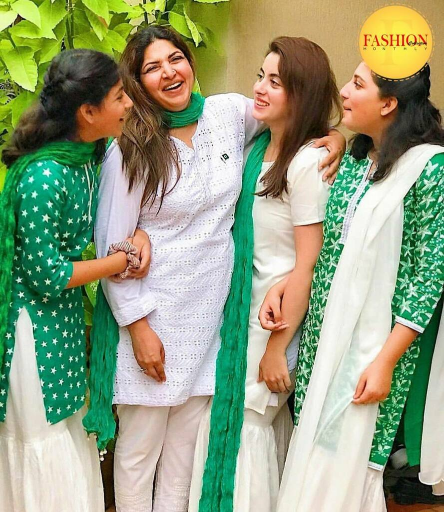Shagufta celebrating 14TH August 💚 . #Fcmag #pakistan #independence #family #ig #happy #August  #update #click #2020 https://t.co/9njAiIuNB0 https://t.co/bWpNYVZ97Y