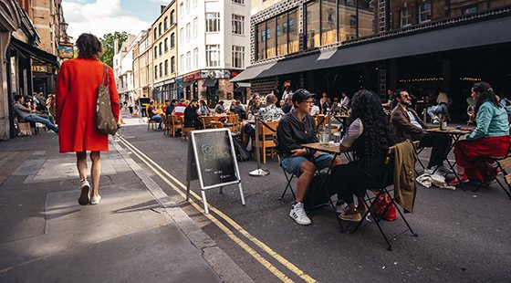 Council open to pedestrianisation schemes following Sohos alfresco revolution ow.ly/upEX50AZCRw