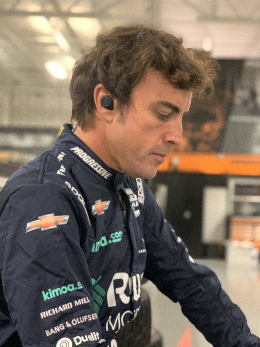 I am proud to announce the partnership with @BangOlufsen , for a limited edition of Beoplay E8 Sport earphones and the iconic Beosound Edge speaker. Our partnership cames naturally, as music is a big part of my routine to prepare for a race ✊️ #FernandoAlonsoxBangOlufsen https://t.co/SaoMeeAfSS