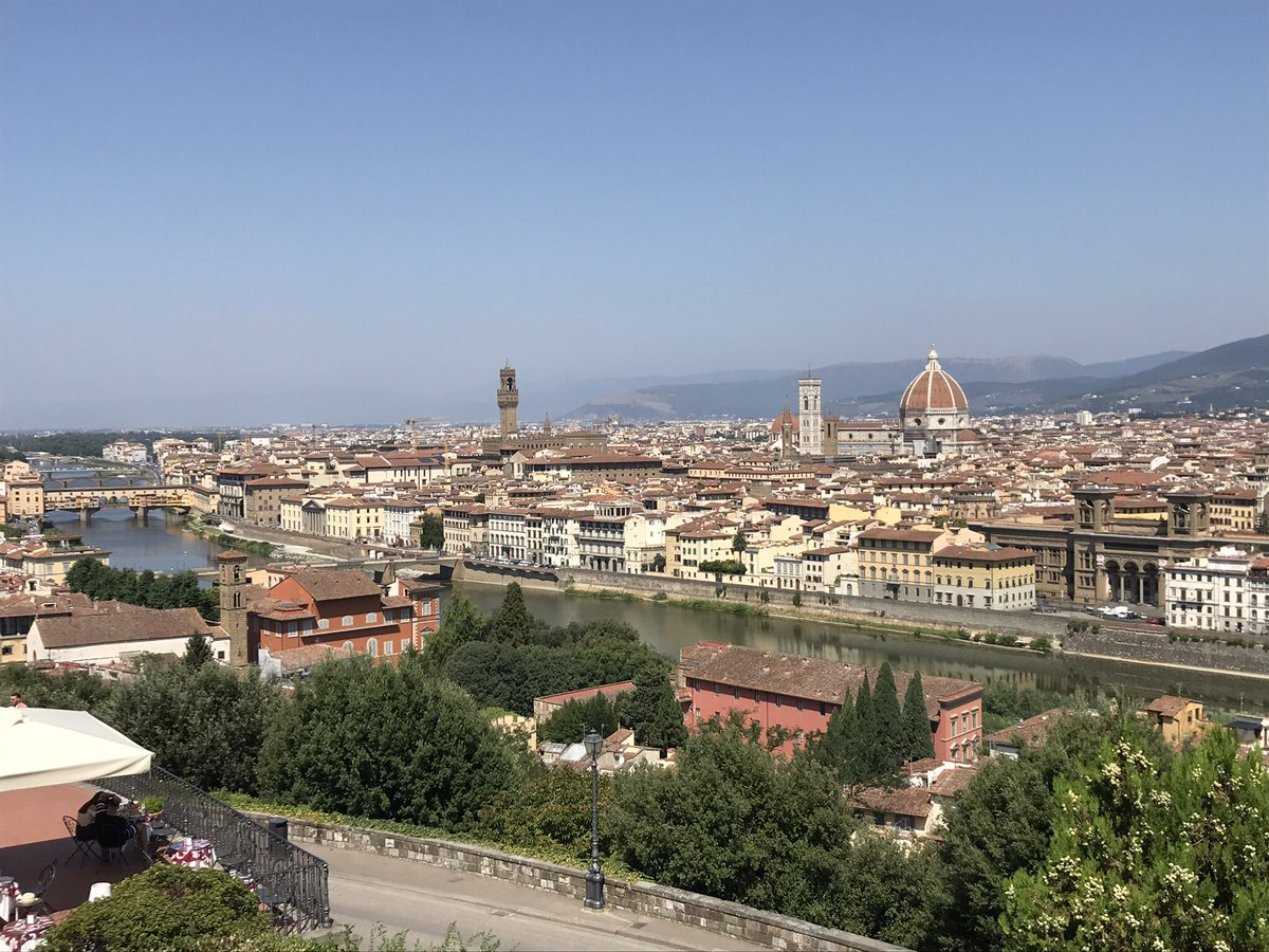 Hot ride out of #Firenze today 🚴🏻🇮🇹🥵#Daccordi #climbing https://t.co/XIGeRfkc8H