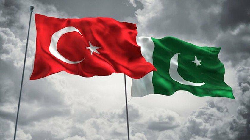 Dost ve kardeş Pakistan'ın Bağımsızlık Günü kutlu olsun. Daima tek yürek, ilelebet kardeş kalacağız Pakistan   #PakistanZindabad 🇹🇷🇵🇰 https://t.co/NoSxELWJoy