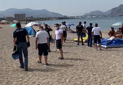 Ferragosto anti Covid, scattano i controlli nelle spiagge, smantellate tendopoli a Barcarello e Romagnolo (FOTO) - https://t.co/6mKHQVVcSa #blogsicilianotizie
