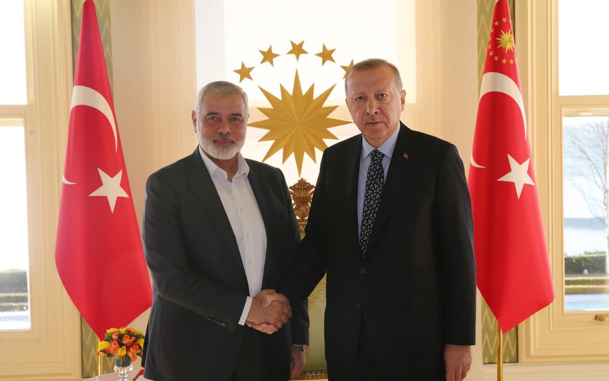 #EXCLUSIVE : per documents seen by Telegraph and a senior source, #Turkey is granting citizenship to top operatives from the terrorist group#Hamas - in a move that could strengthen their ability to attacks on Israeli around the world - @JamesERothwell  https://t.co/lQq9KSDpkR https://t.co/O2ZQItkl01