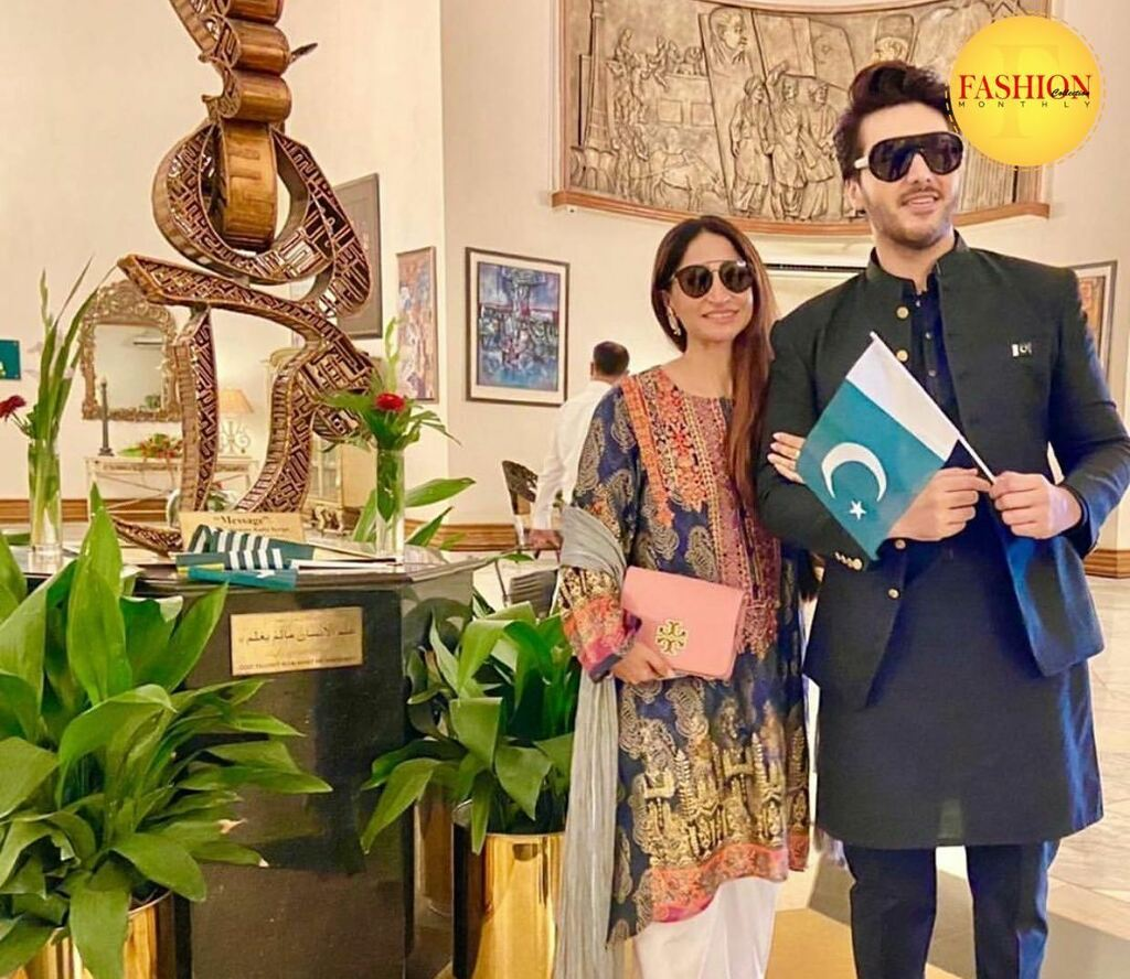 Ahsan khan seen with his wife at President house where he was the main host at the National flag hosting ceremony in Islamabad today! . #fcmag #ahsankhan #governemnt #ceremony #august #lollywood  #shoot #Traditions #glamup #pakistan #ootd https://t.co/JxoNUi738Y https://t.co/kNZKrIB95p