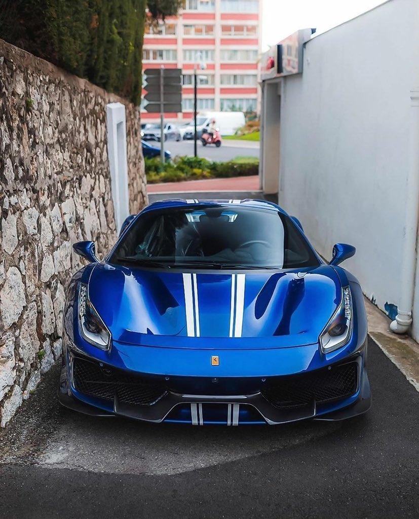 RT @arobbo26: #Ferrari #488 #Pista https://t.co/NYsJO9l26h