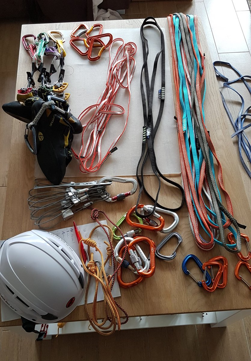 I love the mise-en-place before going off rock #climbing. It's a nice mixture between relaxation, concentration and anticipation of the adventure ahead. https://t.co/TUaqHgTYOv