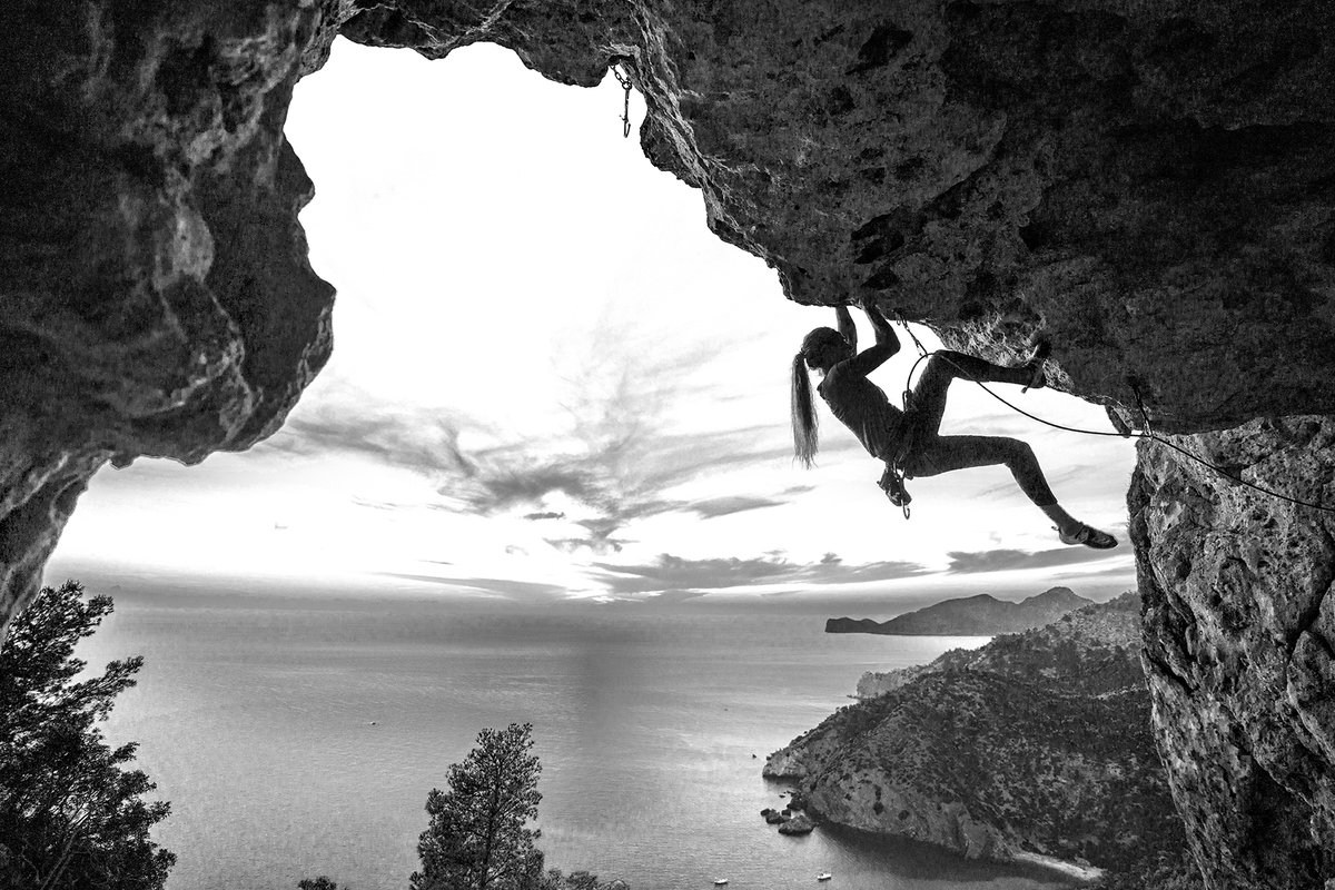 Whether you're just getting started or a seasoned pro, what's your most memorable climb? #climbing #bouldering https://t.co/zKdT6TQjKY