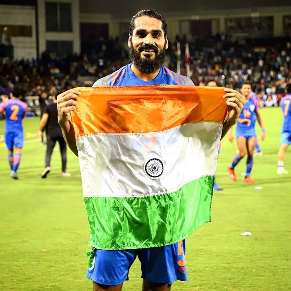 Congratulations @SandeshJhingan for winning the prestigious Arjuna Award. Way to go, boy 👍🏻 Congratulations Sukhwinder Singh for winning Dhyan Chand Award 🙏🏻 #IndianFootball