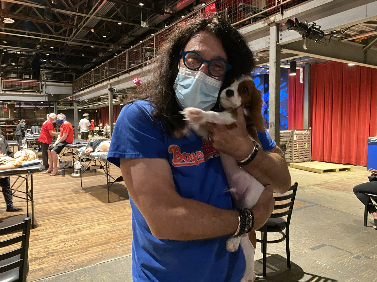 @PierreRobert933 Quill had a great time meeting his favorite midday radio personality #quillthecavalier https://t.co/iNlPeiOPqK