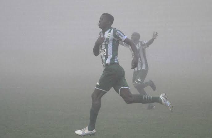 Esse time do Bayern é bom, mas será que fariam isso em uma sexta de neblina no Alfredo Jaconi? 🤔
