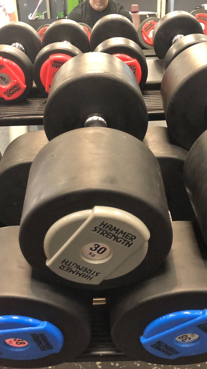 Auspowern am Morgen #fitness #sport #gym #ü40 #NeverGiveUp https://t.co/6xCY676Y1V
