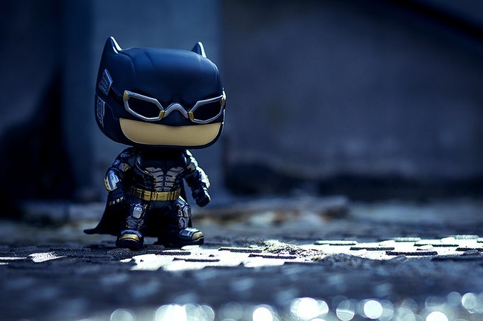 Turning on the Bat-Signal to wish a Happy Birthday to Ben Affleck!