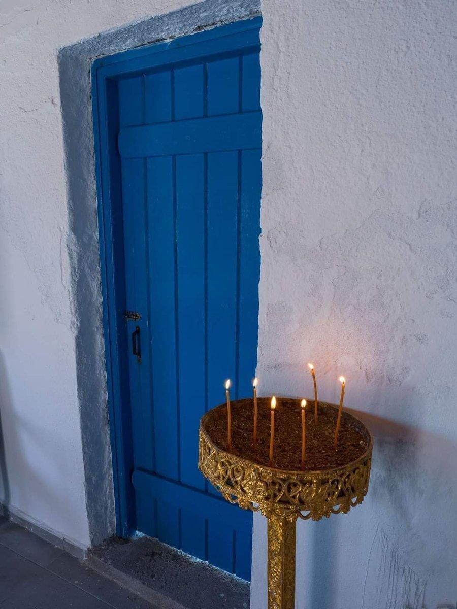 Έλα κυρά μου Παναγιά ...με τ΄αναμένα σου κεριά .... Δώσε το φως το δυνατό ...στον ήλιο και στον θάνατο... ~Ο.Ελύτης~ Χρόνια πολλά!!!