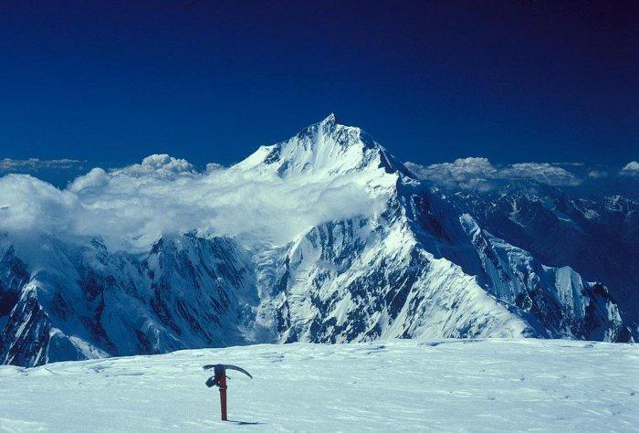 Rakaposhi-Haramosh Mountains, Karakoram  #summitkarakoram #everest #k2 #kangchenjunga #lhotse #makalu #chooyu #dhaulagiri #manaslu #nangaparbat #annapurna #GasherbrumI #broadpeak #gasherbrumII #shishapangma #iceclimbing #mountaineering #alpinism #alpine #mountains #climbing https://t.co/EqC4e5461K