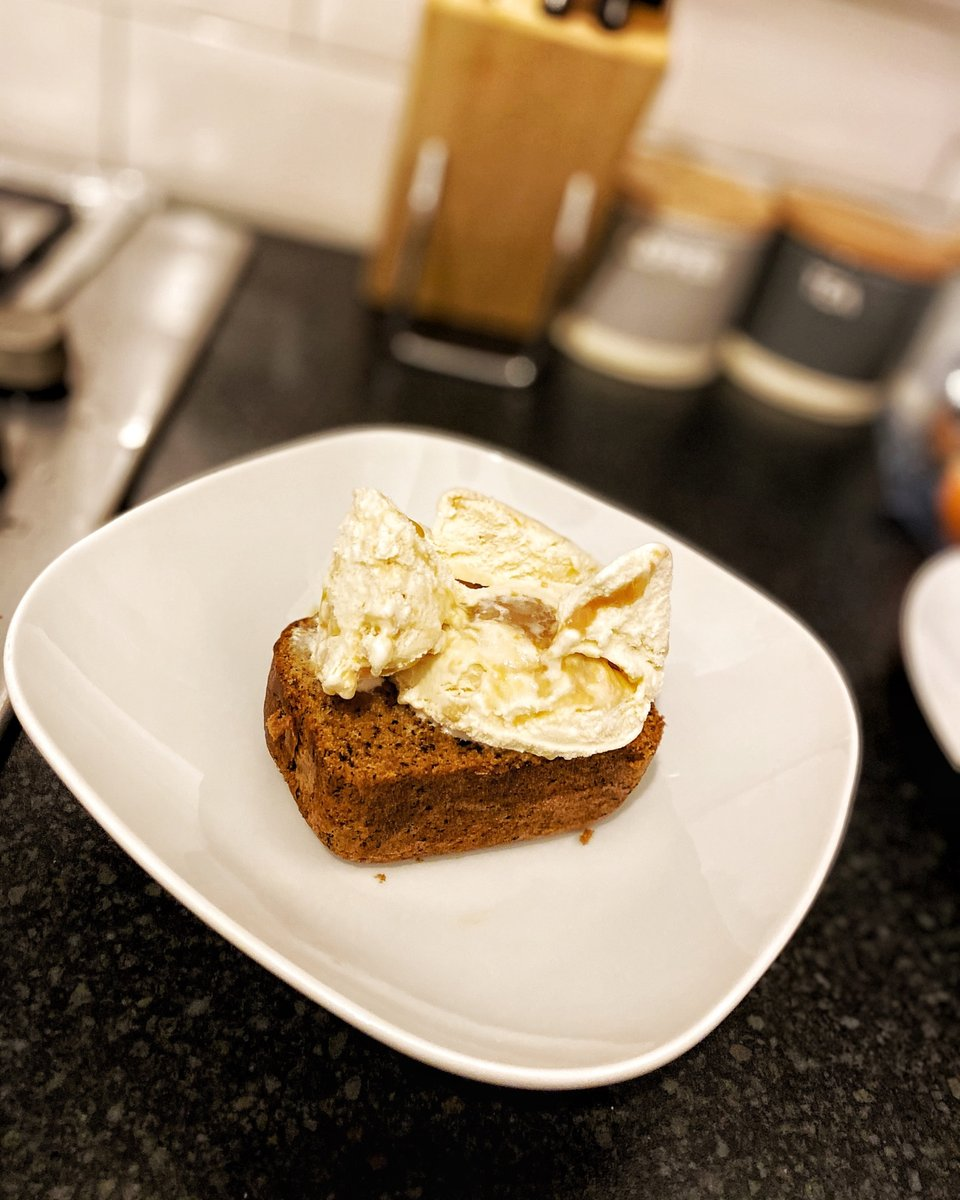 Seems like our Saturdays are for banana bread & ice cream... Cant complain at all 😋😅 What are your plans for the weekend? @luchibakes @smallbizsatuk #LuchiBakes #Quarantine #Baking #QuarantineBaking #cake #SmallBizSatUK #shoplocal #supportsmallbusiness #BLM