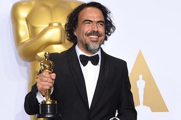 El🎥cine se puede poner el nombre de #Mexico en alto. Hoy nace #AlejandroGonzalezInarritu quien ha ganado 8 #PremiosOscar además 1 en #Cannes, 8 premios #BAFTA y 6 #GoldenGlobes por películas como #AmoresPerros, #Babel #21Gramos #Biutiful #Birdman y #TheRevenant #viajescupatitzio