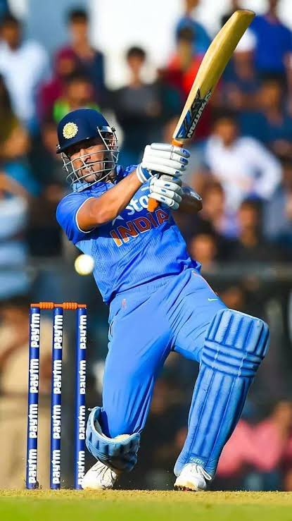 As long as cricket and Dhoni is there he will  never b able to retire from the mind of millions  of people like me who admire his contributions  to the world  of cricket #DhoniRetires #Dhoni #msdhoni https://t.co/cISjP1AJXA