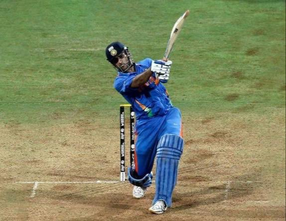 How can I ever forget the iconic sixer!! World cup champions 2011 India!! Was in the stands at Wankhede, proud and tears rolling down... Cricket will never be the same... Take a bow @msdhoni 🙏🏻🙏🏻🙏🏻 https://t.co/69vsf96820