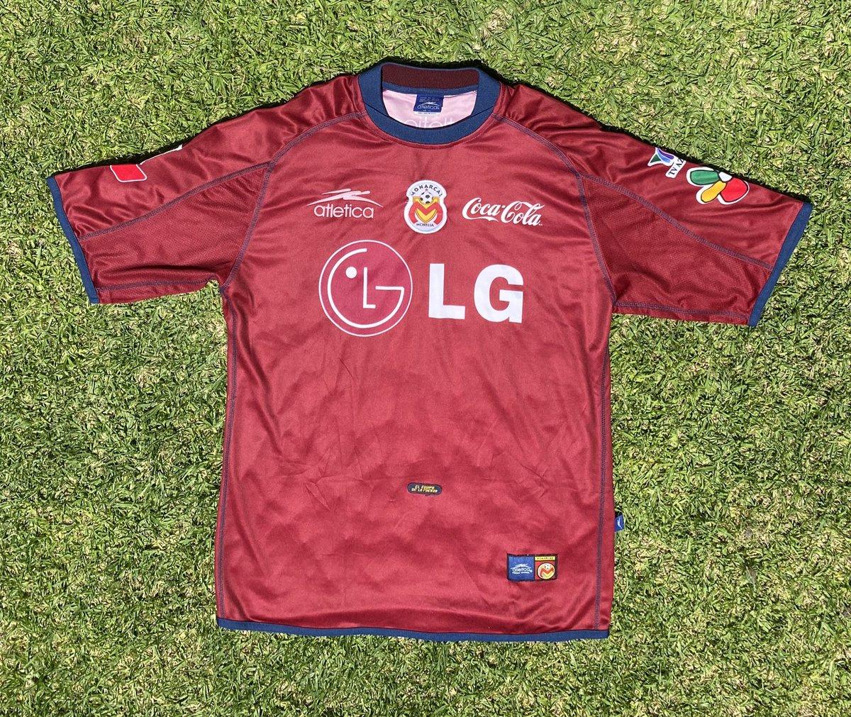 Un #jersey muy elegante 2001-2002.  #MonarcasMorelia #TatoNoriega #Matchworn https://t.co/SxFkM6DxES